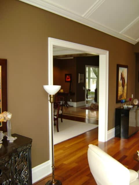 Interior painting court hampton painting inc toronto for Brown interior paint colors
